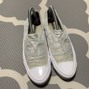 Converse all star sneakers women's size 6